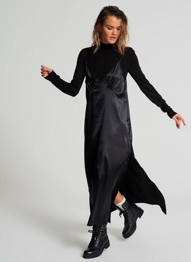 Pi π Yırtmaçlı Saten Elbise Siyah